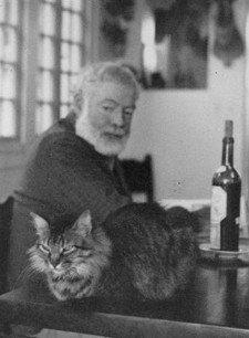 Hemingway y su gato