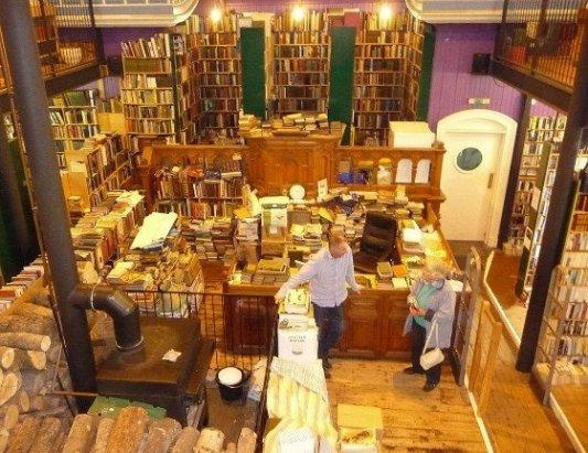 Imagen de la librería Leakey's en Inverness.