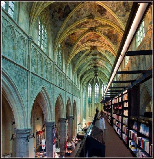 Imagen de la librería Selexyz de Maastrich.
