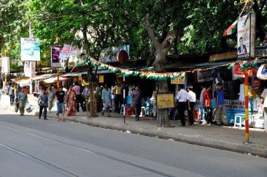 Imagen de la calle College en Calcuta, centro de cientos de librerías.