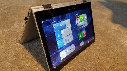 Ordenador portátil híbrido con Windows.