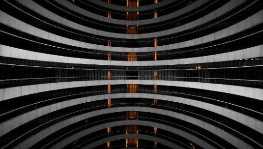 Imagen de un edificio futurista.