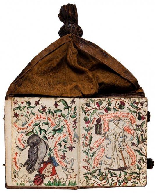 Libro de cintura medieval.