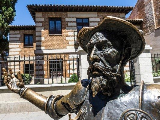 Una escultura de Don Quijote