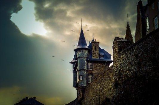 Castillo con murciélagos.