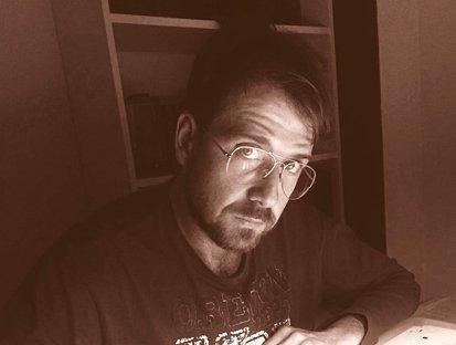 El editor Adrián Naranjo