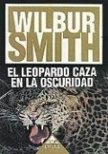 El leopardo caza en la oscuridad